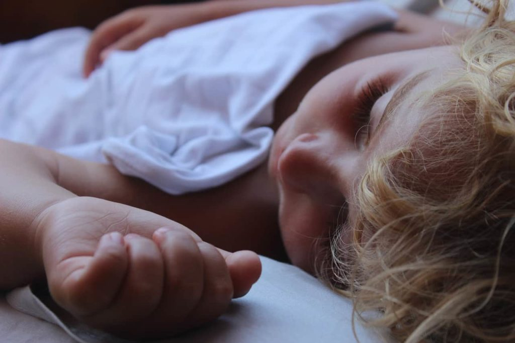 End Toddler Bedtime Battles with These 6 Tips